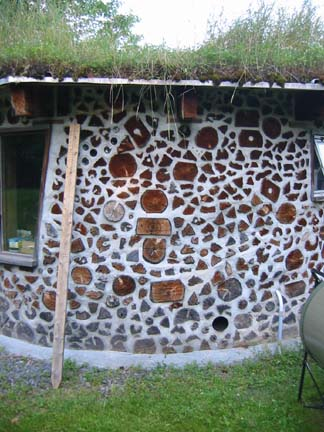 Building a Cordwood Home: Even a Novice Can Manage This